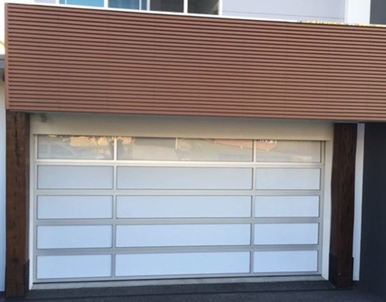 Garage doors: the different solutions of the market